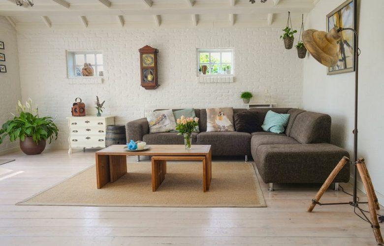 Aération, lumière et accessoires pour décorer votre salon